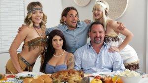 Thanksgiving Time For - Jessie Saint, Katie Kush